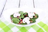 Fresh salad with greens — Stock Photo