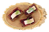 Canape herring with beets — Zdjęcie stockowe