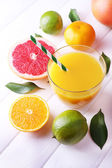 Juice and many citrus — ストック写真