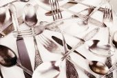 Old disordered tableware closeup — Stock Photo