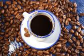 杯木桌上的咖啡 — 图库照片