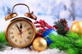 Alarm clock with Christmas decorations — ストック写真