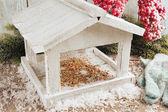 White Handmade birdhouse — 图库照片