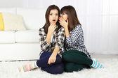 Beautiful girls twins at home — Stockfoto