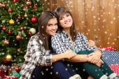 Beautiful young sisters twins. Christmas and New Year — Photo