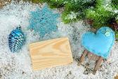 Noel dekorasyonları ahşap arka plan üzerinde bileşimi — Stok fotoğraf