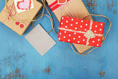 Gift boxes with card — 图库照片