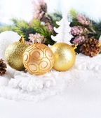Kerstmis samenstelling op sneeuw close-up — Stockfoto