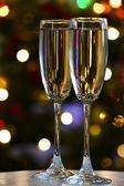 Dwa kieliszki do szampana — Zdjęcie stockowe