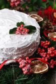 Christmas cake with wreath — Stock Photo