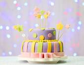 Delicious birthday cake — Stock Photo