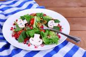 Fresh salad with greens — Stock Photo