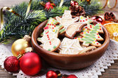 Biscoitos de gengibre em tigela — Foto Stock