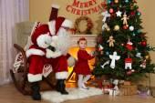 圣诞老人和小女孩 — 图库照片