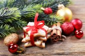 Perník cookie s vánoční dekorace — Stock fotografie