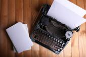 Antique Typewriter. Vintage Typewriter Machine on wooden table — Stock Photo