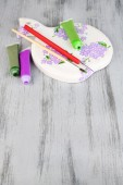 Hand made cutting board and art materials — Foto de Stock