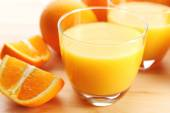 Freshly squeezed orange juice, close-up — Stock Photo