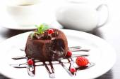Hot chocolate pudding with fondant centre, close-up — Стоковое фото