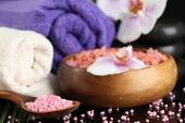 Beautiful spa composition with flowers close up — Stock Photo