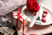 Festive table setting for Valentine Day — Stockfoto