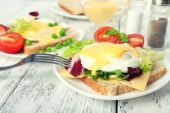 Toast with egg and tomato — Stock Photo