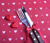 Cutlery set with decorative hearts — Stock Photo