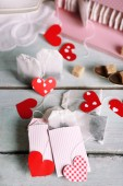 Heart shaped teabag tags — Stock Photo