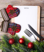 Menu board with Christmas decoration on wooden planks background — 图库照片