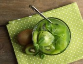 Kiwi jam in glass bowl — Stock Photo