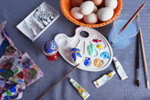 Pintando ovos de Páscoa — Fotografia Stock