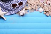 Travel accessories on wooden background — Foto de Stock
