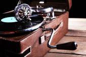クローズ アップ ビニール レコードと蓄音機 — ストック写真