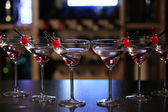Glasses of cocktails on bar background — Стоковое фото