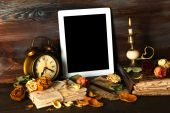 Ancient things and tablet — Stock Photo