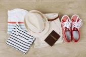 Summer vacation clothes, shoes and hat — Stock Photo