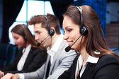 Operátory call centra v práci — Stock fotografie