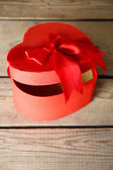 Heart shaped Valentines Day gift box — Stock Photo