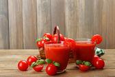 Tomato juice with vegetables — Стоковое фото
