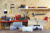 Ensemble d'outils dans l'atelier — Photo