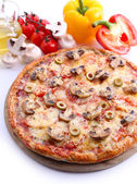 Tasty pizza with vegetables close up — Stock Photo