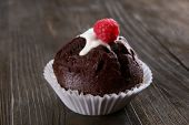 Delicious chocolate cupcake — Stock Photo