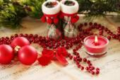 Weihnachts-Dekorationen auf Blatt Hintergrund Musik — Stockfoto