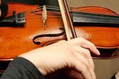 Tocar violín violinista closeup — Foto de Stock