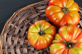 Green tomatoes on table close up — Stock Photo