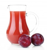 Delicious plum juice with fruits isolated on white — Stock Photo
