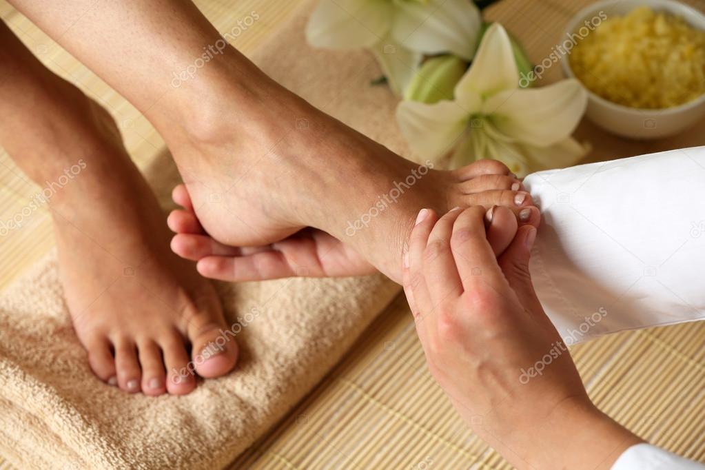 Делать массаж ног во сне к чему
