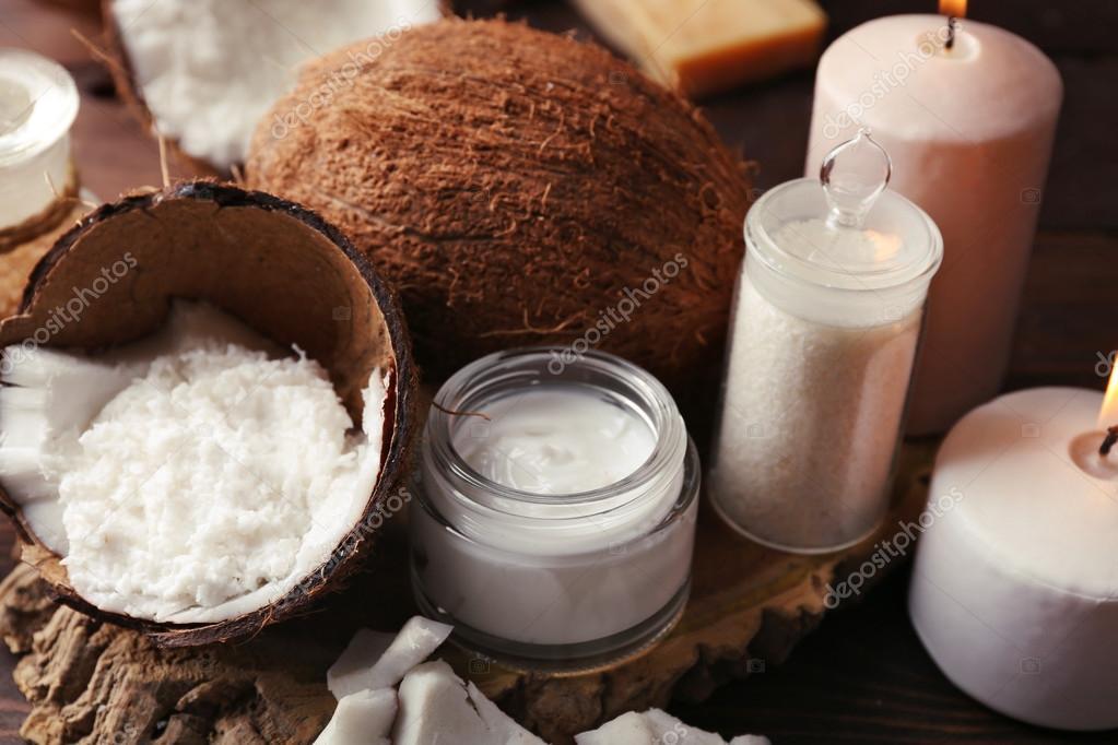 Productos de coco spa sobre fondo de madera oscuro fotos - Articulos para spa ...