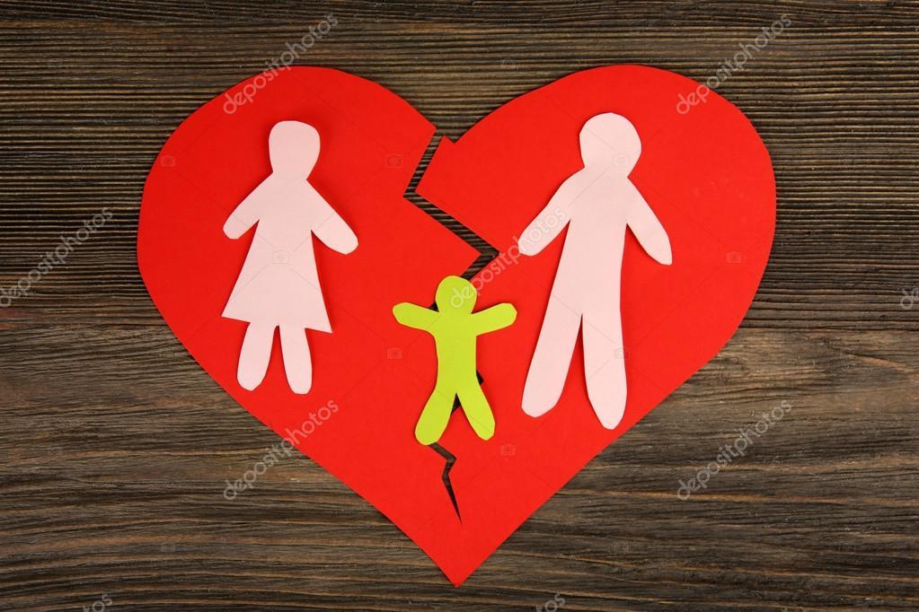 Silueta De Recorte De Papel De Una Familia Dividida