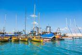 Dock with moored boats — Zdjęcie stockowe